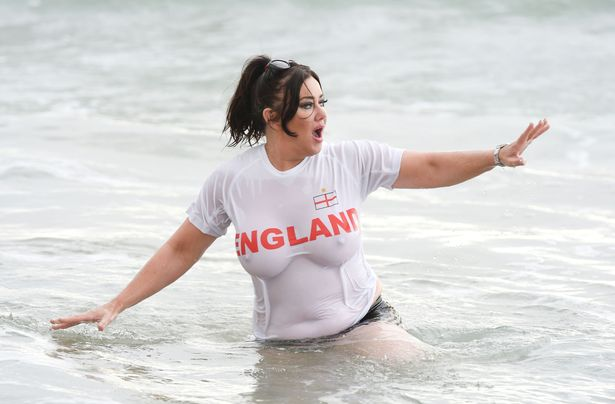 PAY-EXC-Lisa-Appleton-in-an-England-shirt (1)