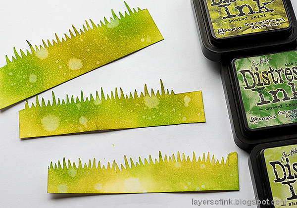 Layers of ink - Daisy Art Journal Page by Anna-Karin Evaldsson. Color the grass with Distress Ink.