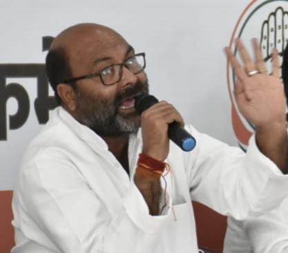 बेसिक शिक्षा मंत्री के भाई की नियुक्ति रद्द कर उनके विरुद्ध की जाए कार्यवाही - अजय कुमार लल्लू