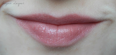 Yves Rocher Rouge Vertige 34 auf den Lippen
