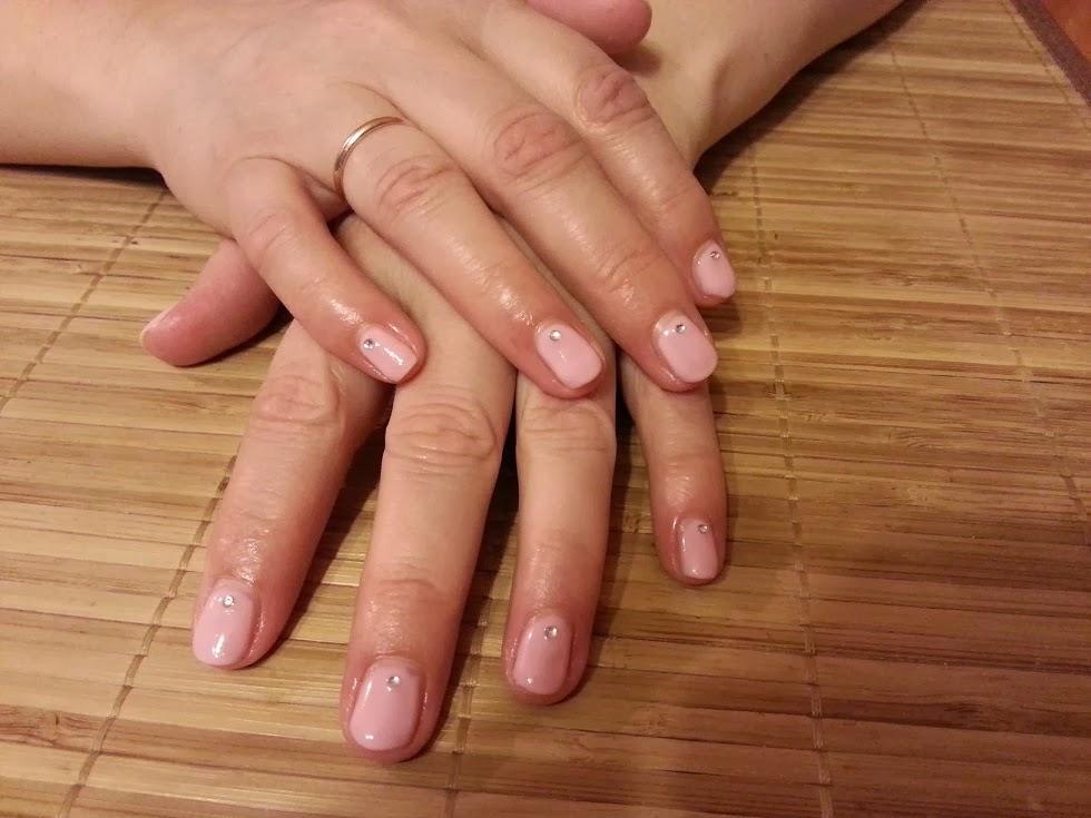 Manicure Hybrydowy W 16 Prostych Krokach Freewolność