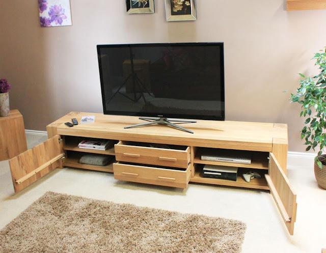 Làm sao để có thể chọn kệ gỗ để tivi phòng khách - 174615