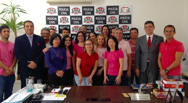 A Polícia Civil apóia a Campanha Outubro Rosa