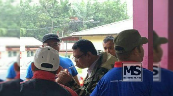 Gambar Exco Kesihatan Negeri Johor hisap rokok pula tersebar