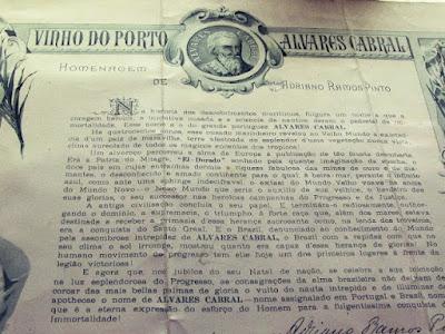 Rótulo explicativo do vinho do Porto Álvares de Cabral da Ramos PInto