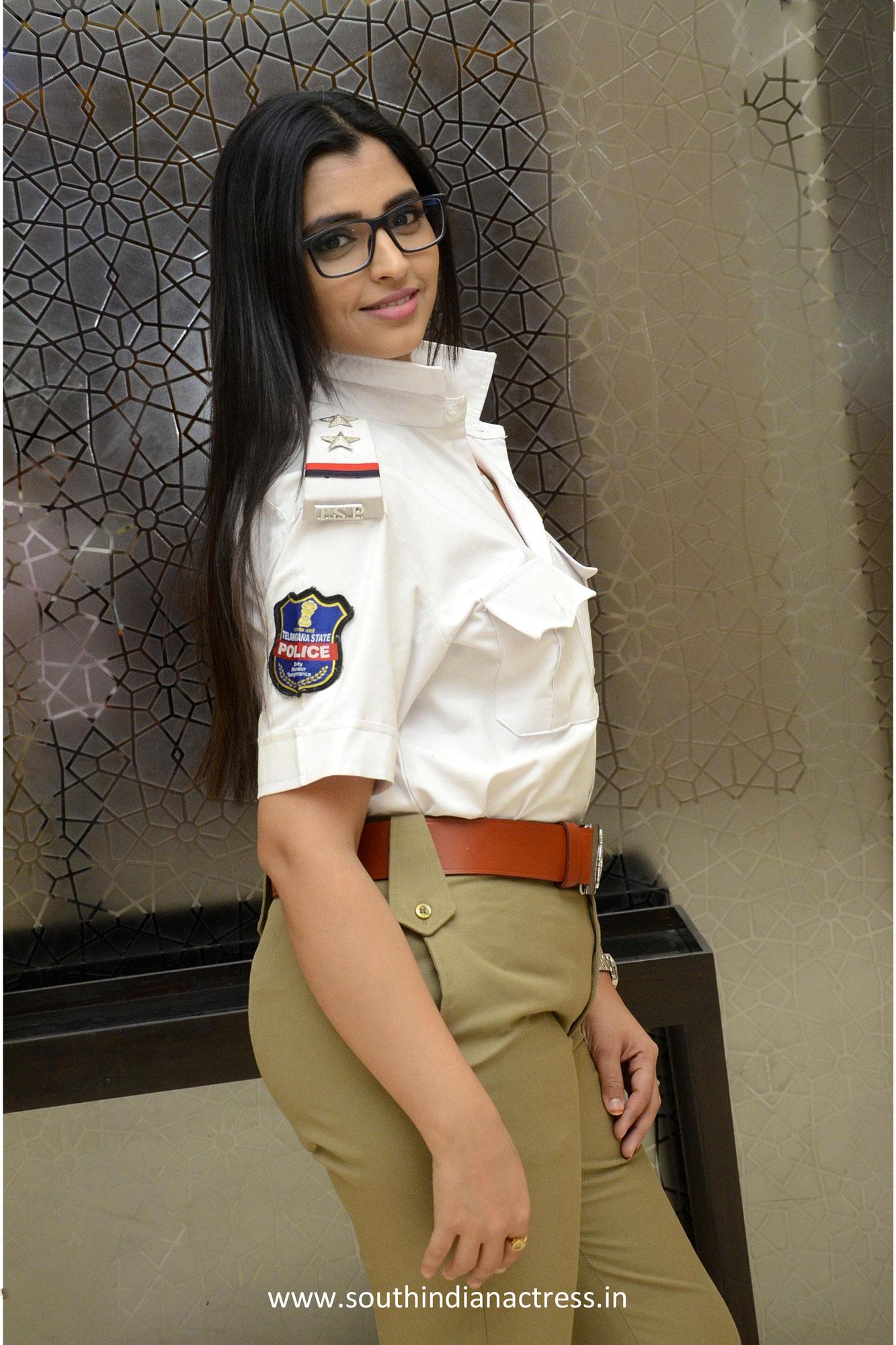 Syamala Anchor Bomb Pics in Lady Police Dress - Latest