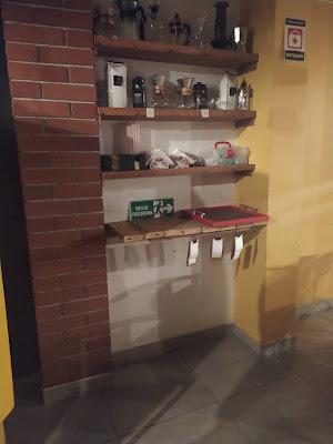 Tomando un Americano en Café Coloquio