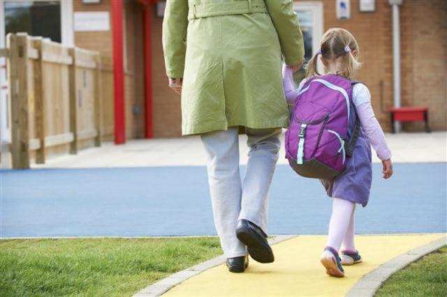 Mandiri Mana Antar Anak Sekolah atau Berangkat Sendiri