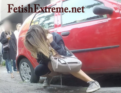 Beer festival drunk girls urinating outdoors (Full HD 002)