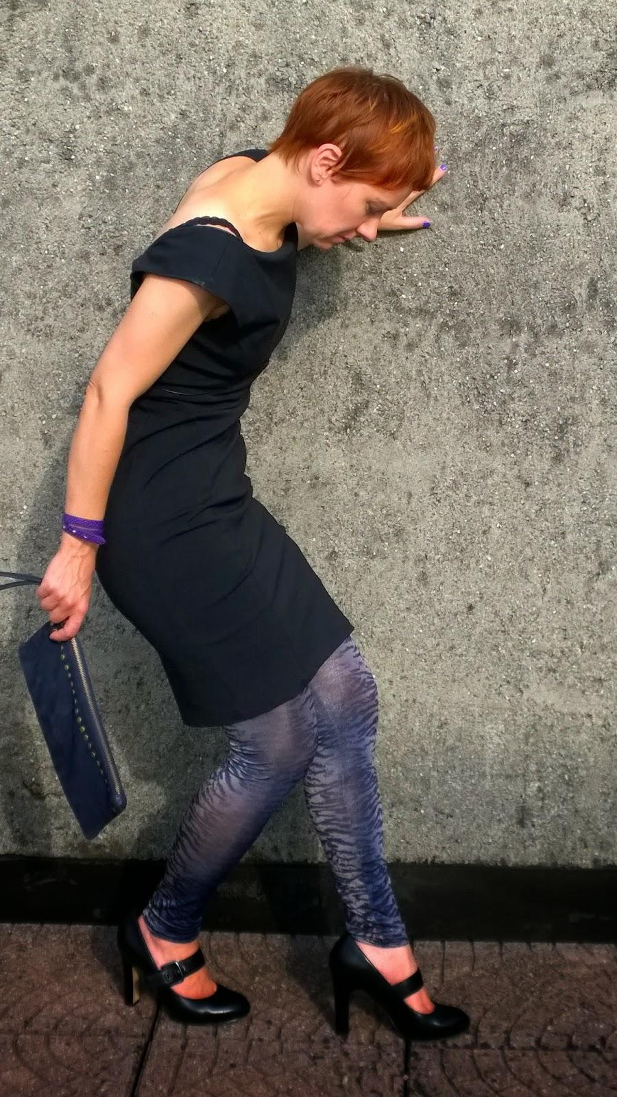 Little black dress, calzedonia animal print leggings, black pumps, suede clutch