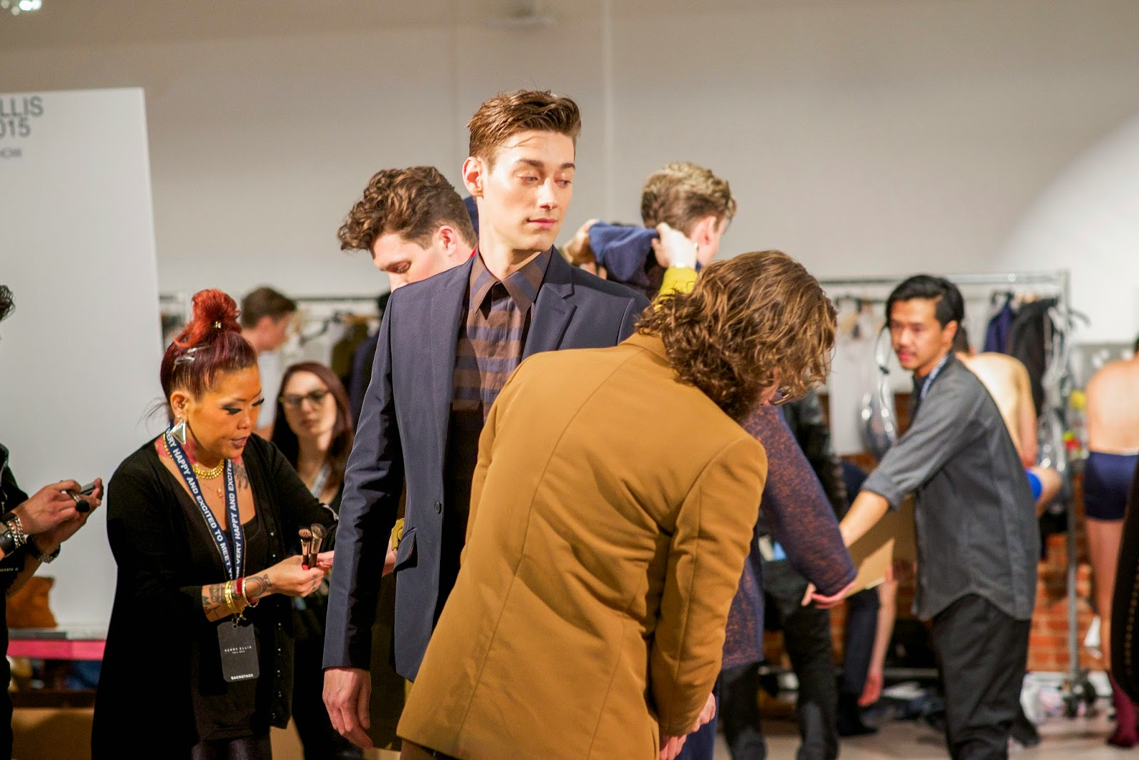 Backstage Moments #VeryPerry – The Metro Man