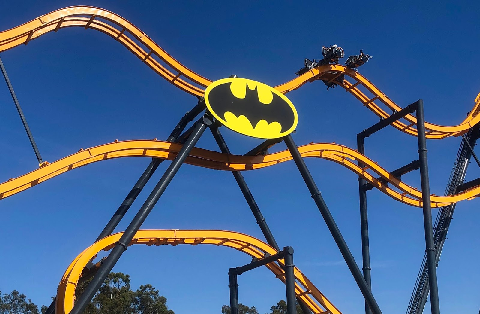 NewsPlusNotes: Batman: The Ride Coaster Opens at Six Flags