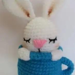 Conejito en Taza a Crochet