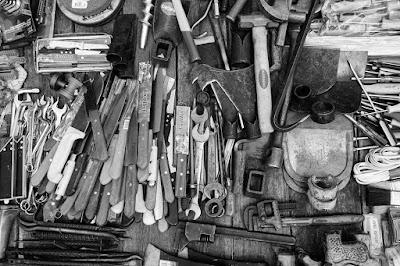 10 Peralatan Survival yang Wajib Anda Bawa Saat Petualang
