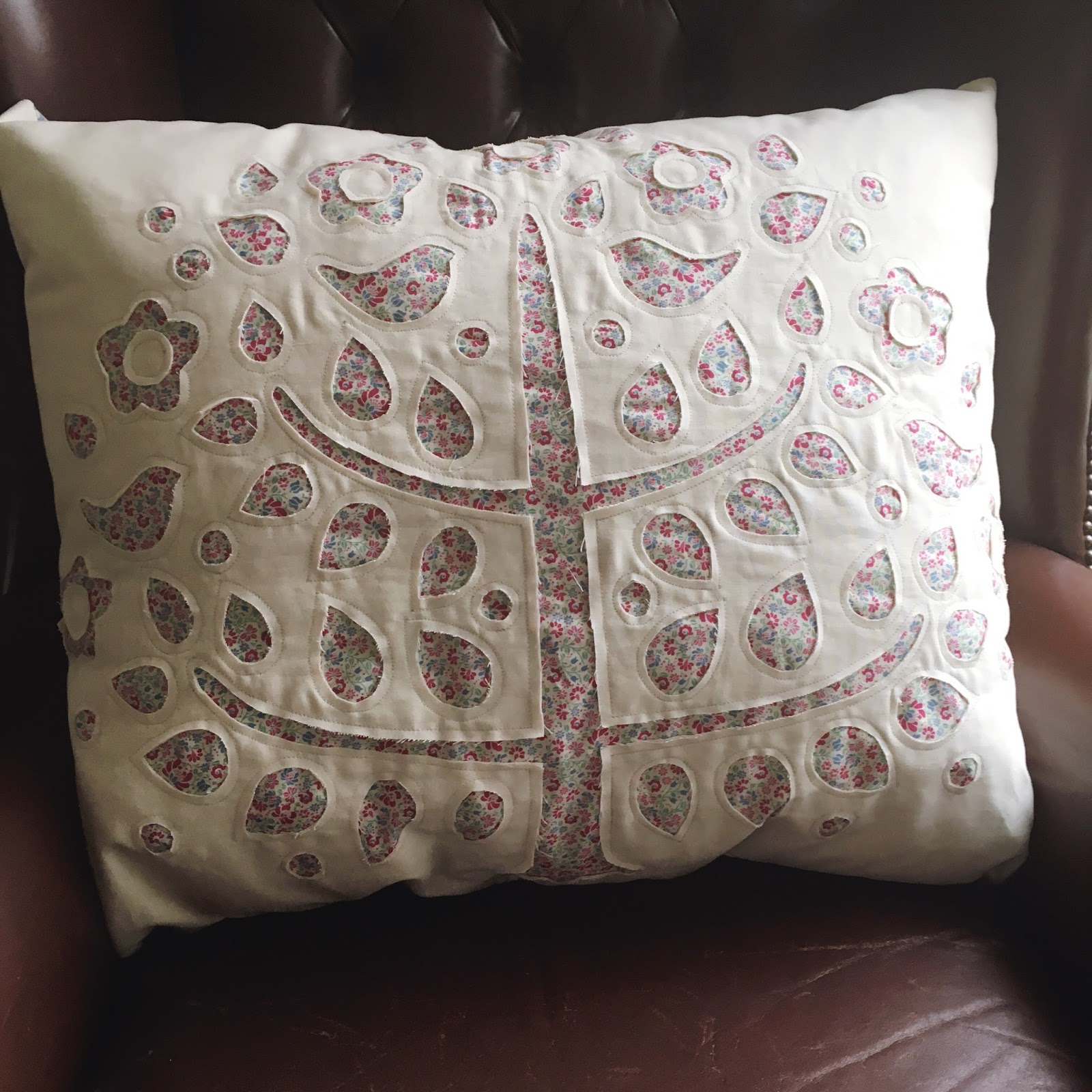 tree pillow and merry go round quilt / CHARM ABOUT YOU
