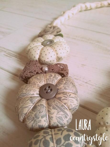 godere di un prezzo economico nuova collezione vendita ufficiale Laura country style: Collane di tessuto in Shabby style