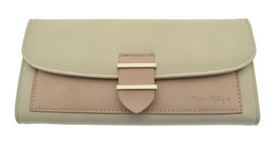 Two tone coloured purse, which looks beige in the photo