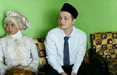 Heboh! Kisah Seorang Manager Lamar Seorang Baby Sister di Jakarta Gegerkan Medsos
