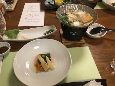 草津館の夕食 道明寺あんかけと海鮮鍋
