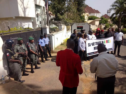 Nigerians Protest Against Slavery Going On in Libya (Photos)