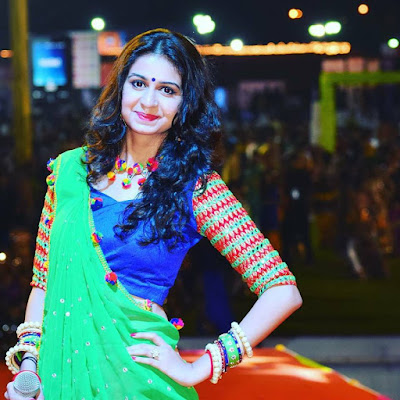 Kinjal Dave live garba 2019-2020 photo shoot images