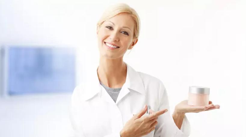 تريتينوين لفوائد مكافحة الشيخوخة: ماذا يقول البحث؟