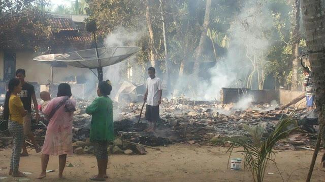 Si Jago Merah Melalap 4 rumah warga Pagelaran Pandeglang