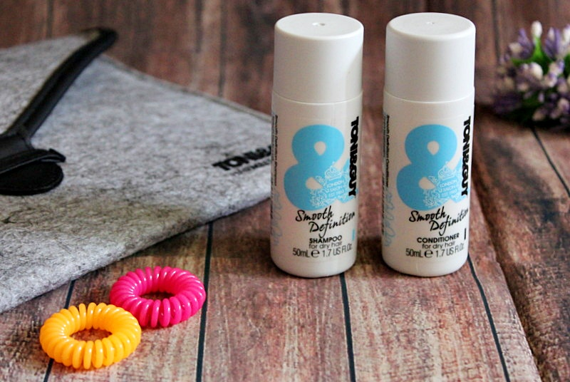 TONI&GUY Smooth Definition Разглаживающий шампунь и кондиционер для сухих и непослушных волос / обзор, отзывы