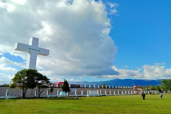 Jhon Banua Pastikan Pembangunan Menara Salib dan GOR Wamena Tuntas Desember 2020.lelemuku.com.jpg