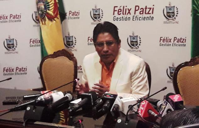 Patzi califica de eufórico discurso de Camacho y duda que se consolide salida de Evo Morales