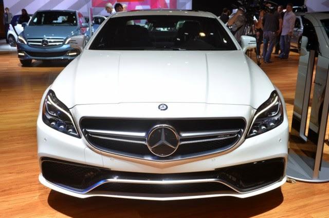 Mercedes Benz CLS63 AMG màu trắng 03