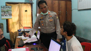 Tim Polsek Telanaipura Mengamankan Pelaku Pencurian Handphone