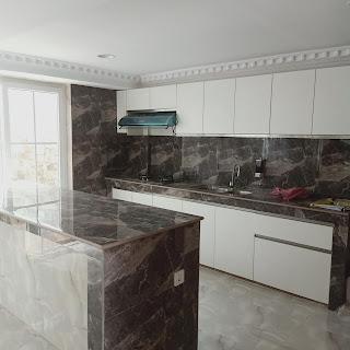 Dapur Rumah Fully Furnished Lengkap Dengan Kolam Renang 5 Kamar Tidur 5 Kamar Mandi | Komp Bumi Asri Medan