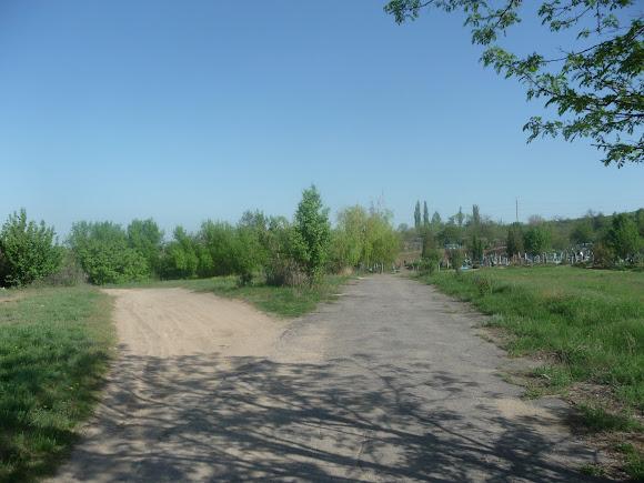 Алексеево-Дружковка. Поворот с улицы Тореза налево