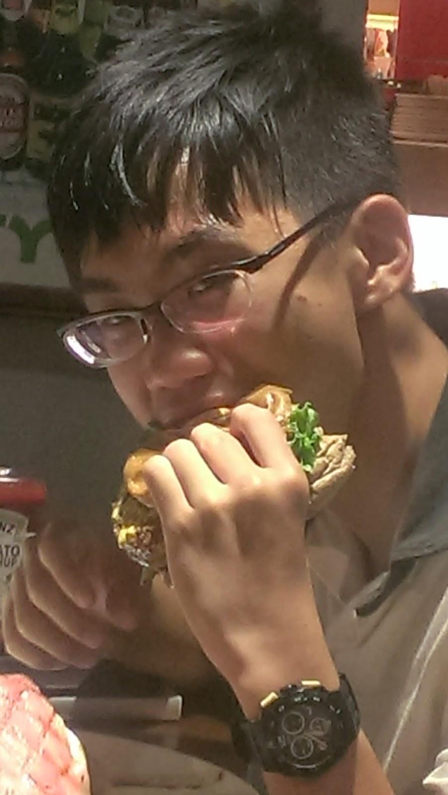 2014 07 27+18.38.32 - [食記] Bravo Burger 發福廚房 - 大口咬下美式漢堡,滿滿的熱量,滿滿幸福!