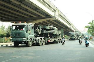 Konvoi Transporter MBT Leopard TNI AD