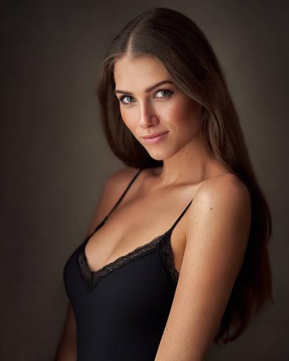 World Beautiful Girl