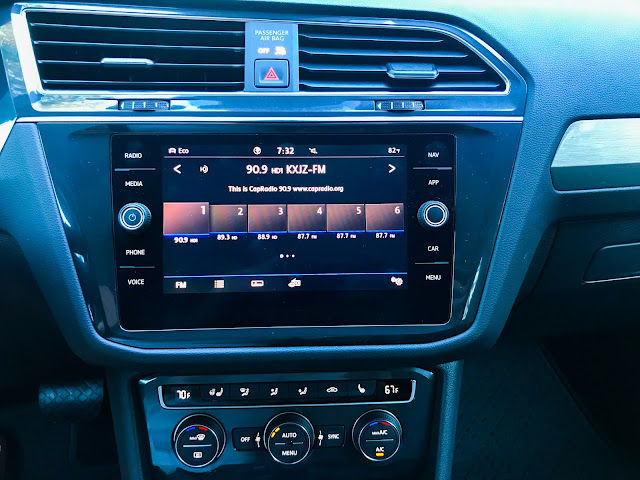 Infotainment and HVAC in 2020 Volkswagen Tiguan 2.0T SEL with 4MOTION