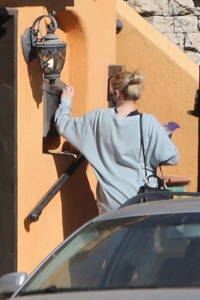 Pregnant Emma Roberts Arriving at Her Home in Los Feliz 19 Dec-2020