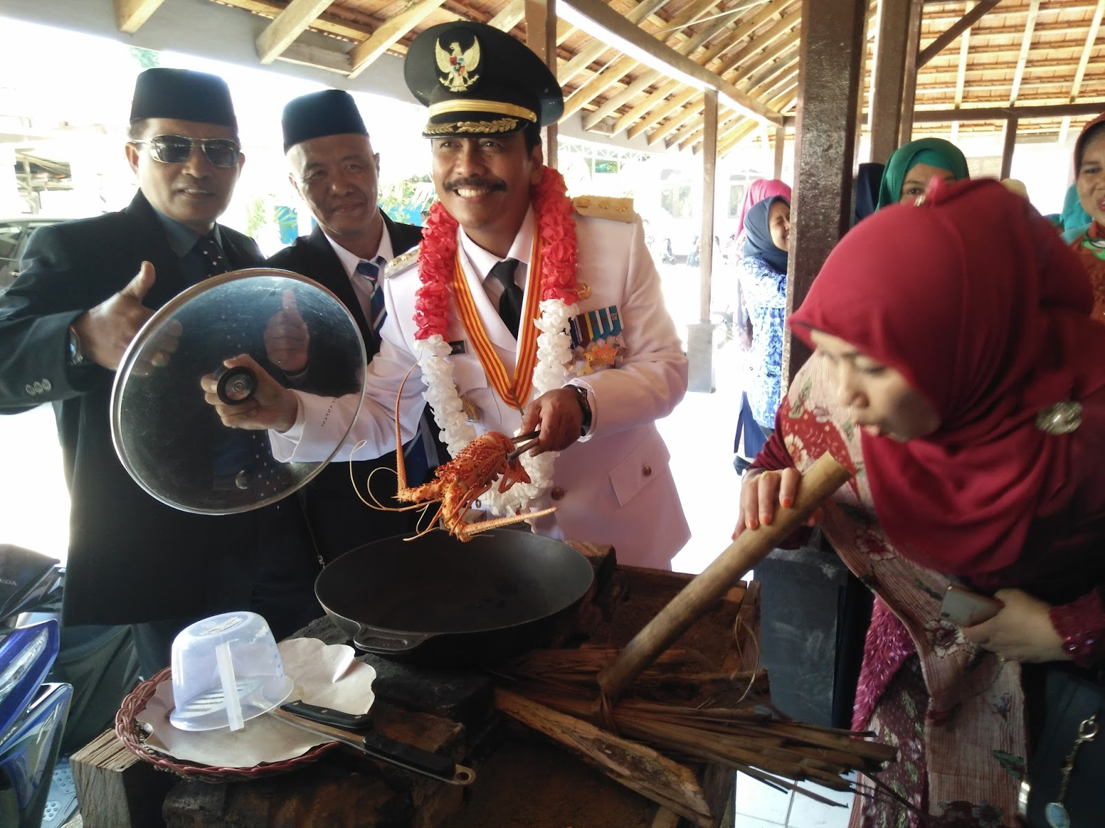 gresik24jam - Lobster Suguhan bagi Tamu Terhormat di Bawean Gresik