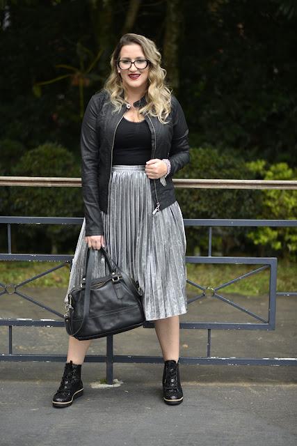 Como usar saia com coturno