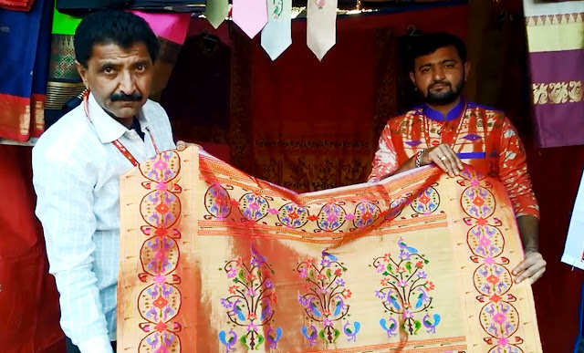 Paithani saris which were prepared in 2 years, worth 2.5 lakhs, women looking for the fair are doing it