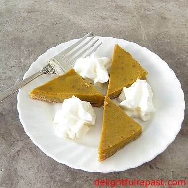 Pumpkin Slab Pie - Perfect for a Party Dessert Bar / www.delightfulrepast.com