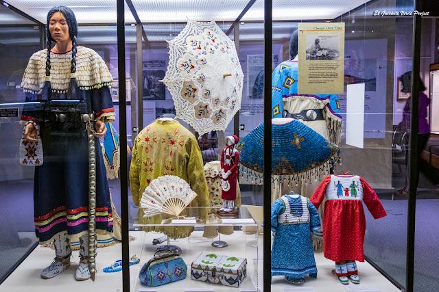 Complementos y Ropa de las mujeres Lakota - Akta Lakota Museum
