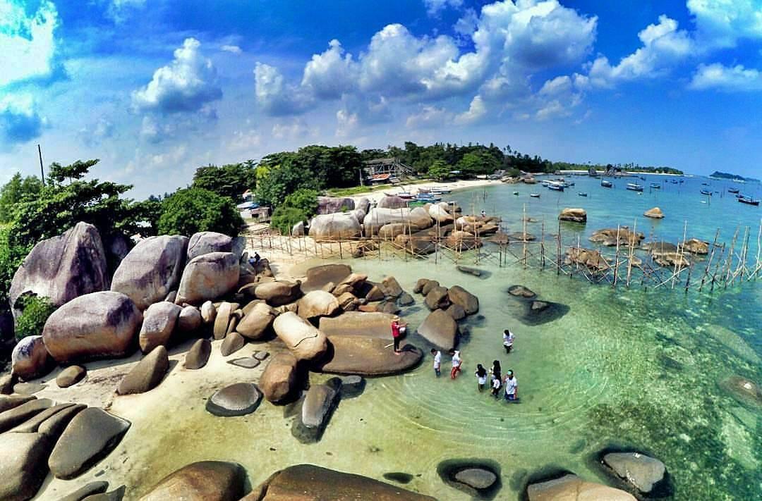 10 Wisata Pantai di Belitung yang Eksotis dan Wajib Dikunjungi