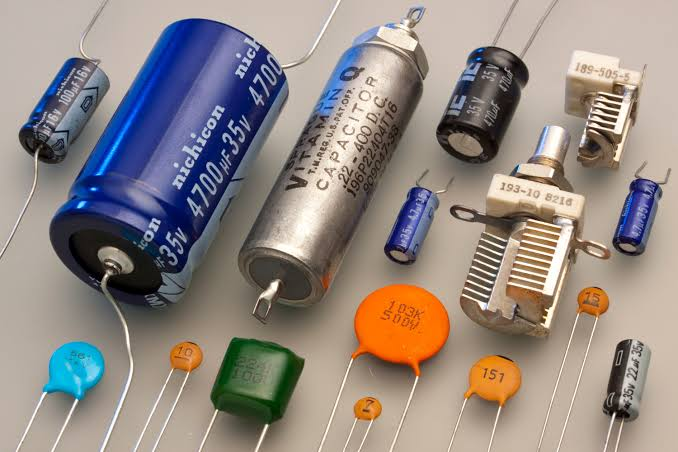 Switching devices for Capacitors