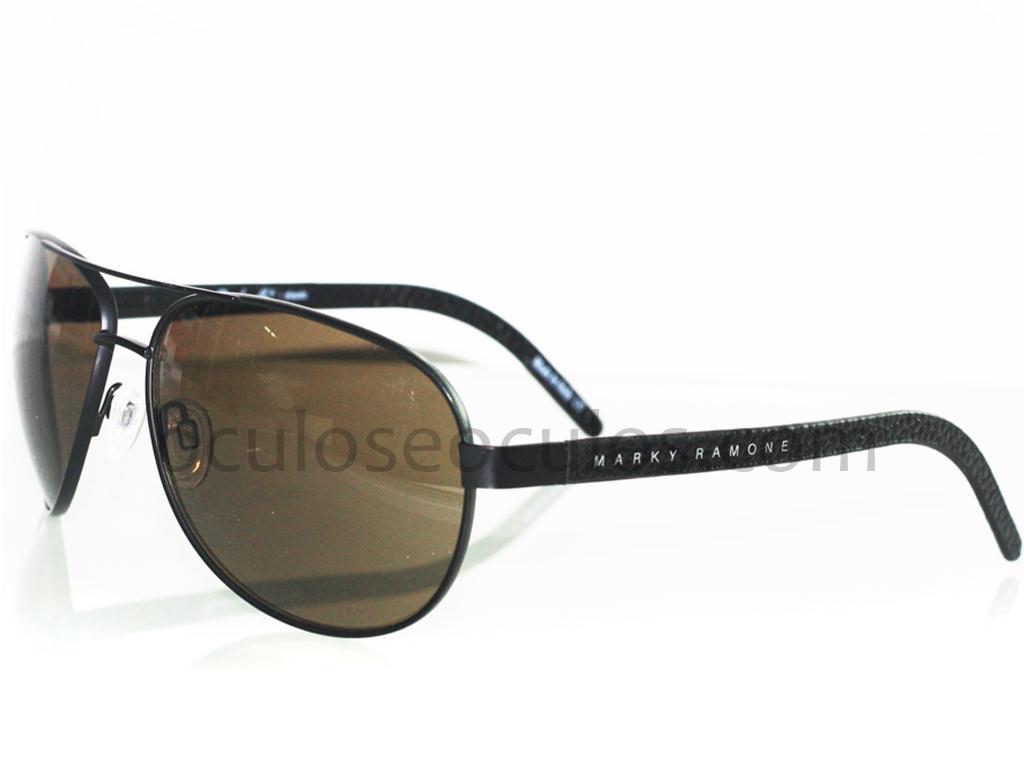 beda946ee Homens sempre ficam mais chamosos quando escolhem, para compor o visual,  óculos de sol modelo Aviador, a combinação Cauã Reymond e o Aviador  Poncherello ...