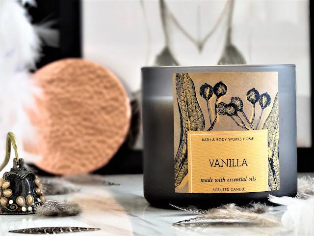 vanilla bath & body works, avis vanilla bath & body works, bougie vanilla bath & body works, vanilla bath & body works review, vanilla bath & body works candle, bougie 3 meches, 3 wick candle, bougie à la vanille, bath & body works candle review, bougie parfumée