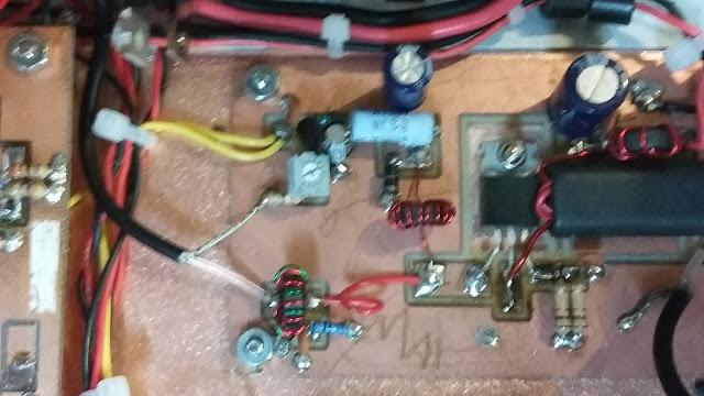 40M Junk Box SSB Xcvr in a  Blue Case 33