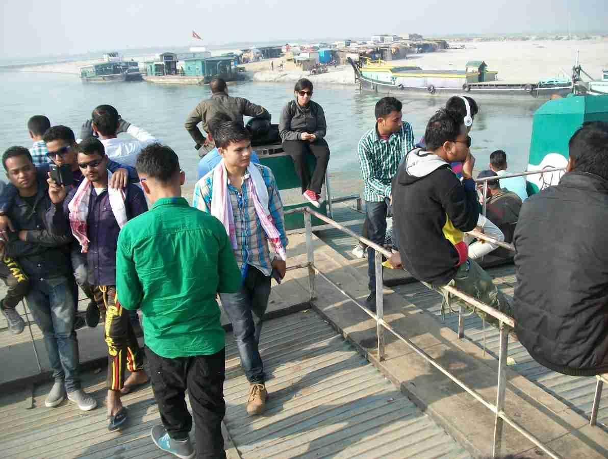 People crossing the Brahmaputra river on ferries (Image 2)